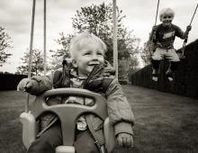 公園での外遊びに関する調査「ほとんど行かない」は約2割、年齢帯に分けた設備拡充の必要性も