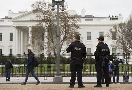 ホワイトハウス前で「車内に爆弾」=男の身柄拘束-米