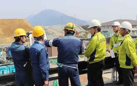 大飯原発を視察=「再稼働容認できない」-滋賀県知事