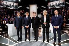 マクロン、ルペン両氏が競り合い=仏大統領選まで1カ月