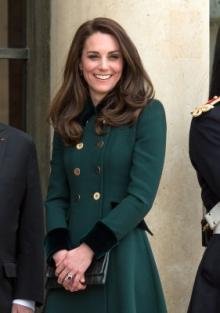 キャサリン妃、フランス訪問!1日に3種類のファッションで魅了