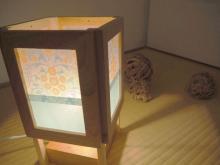 アイデア満載!女子DIYクリエイターリレー 和室にぴったり! フォトフレームで作る「行灯風レトロランプ」by スプンクさん