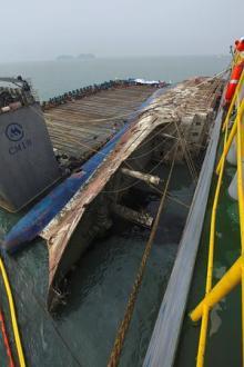 セウォル号、運搬船に積載=引き揚げ事実上成功-韓国