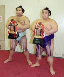 高安が3度目の殊勲賞=大相撲春場所