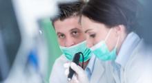 インプラントと入れ歯のメリット・デメリット…場合によっては早い決断が必要に