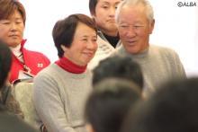 青木功と樋口久子、レジェンド2名が合同ジュニアレッスン会を開催