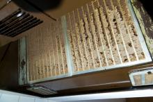 【ツイッターで話題】換気扇フィルターの掃除は濡らさず重曹を使え!