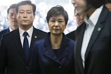 朴前大統領、地裁に出頭