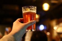 「みんなが気持ち良く公平に」が理想! のんべえと下戸がいる飲み会での支払い方法