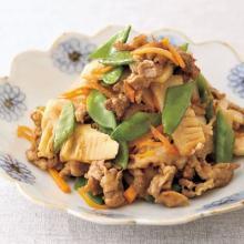 【フライパンレシピ】彩りと食感で季節を堪能!「豚とたけのこのみそ炒め」
