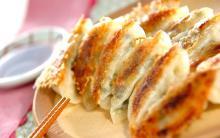 ふんわり&甘みたっぷり! 春キャベツの焼き餃子