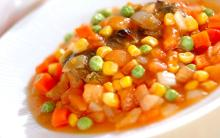 野菜たっぷりでヘルシー! 焼き塩サバの野菜ダレ
