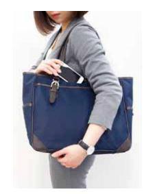 かばんゴソゴソは格好悪い 「所作美人になるビジネスバッグ」でスマートに