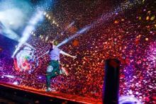 コールドプレイ、3年振りの来日公演で東京ドーム公演を完遂! 壮大なスケールで約45,000人を圧倒!!