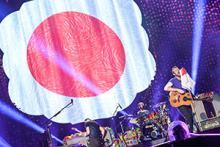 コールドプレイ、キャリア初となる東京ドーム公演で約45,000人を魅了