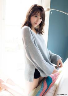 乃木坂46のキレイなお姉さん衛藤美彩、オトナの美を大胆披露