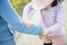 【子どもを危険から守るために、今日から子どもに教えておきたい護身テクニック 第2回】腕をつかまれた時の対処法