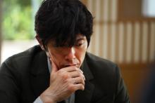 苦しむ姿も色気全開な佐々木蔵之介 映画『3月のライオン』島田開の写真公開