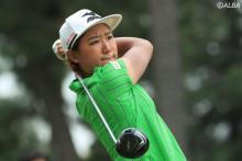 <ステップ速報>野澤真央、鈴木麻綾が首位並走!ステップ初優勝かけバックナインへ