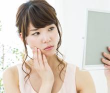止まらない顔汗の原因とは?メイクの上から使える顔用制汗剤について