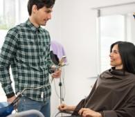 美容師がイラつく女性客6種。ドライヤーで乾かさない人はニオう!