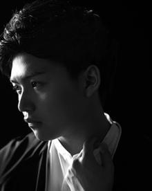 ぼくりり、資生堂「アネッサ」CMソング先行配信&大人の色気漂う新アー写公開