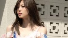 乃木坂46白石麻衣は裏側も美しい!デコルテあらわに夏先取り