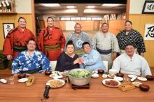 マツコ、現役力士と相撲メシ食らう スタジオに白飯10升用意