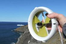 iPhoneを、水力・風力で充電…ポータブル発電機「Waterlily」は、キャンプでの強い味方