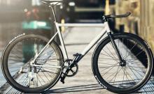 自動変速&ベルトドライブの通勤用自転車「CRONO」…自転車を美しく保つデザインを追求