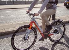 電動アシストに見えない電動アシスト自転車「E-SILENCE EVO」…街の騒音公害を減らすために