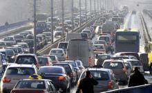 「渋滞の先頭」って、どうなってるの?原因の圧倒的1位はアレでした