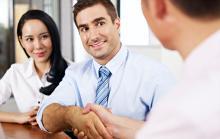 「継続は力なり」などビジネスでも使える英語のことわざ4選