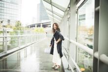 【今日のコーデ】雨の日にぴったり!防雨もおしゃれもかなえるはおりものは?