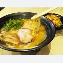 幻の半チャンに鮮魚の立ち喰い寿司まで! 博多駅直結・新デイトスの魅力