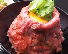 【おトク】山盛りローストビーフ丼がワンコイン以下!鎌倉の和カフェ「楠の木」で4日間限定