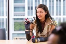 FINAL FANTASY XIIIの主人公「ライトニング」に菜々緒さんが挑戦