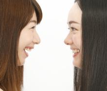 歯を磨いても口臭が気になる方必見!原因別、口臭の種類と対策