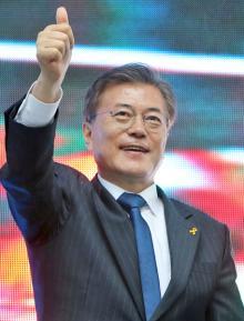 朴正煕政権で投獄された文在寅大統領は朴一族の天敵
