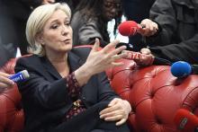 ルペン氏、偽ニュースも利用=挽回に必死-仏大統領選