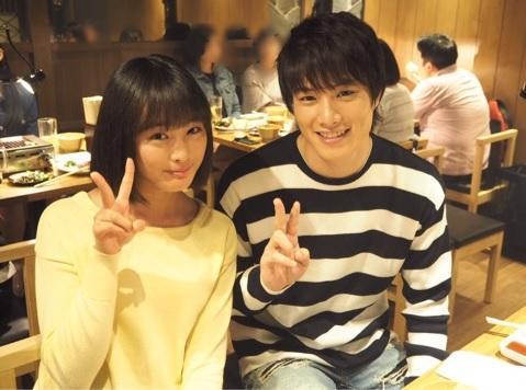 鈴木伸之『あなそれ』妹役の大友花恋と兄妹2ショットに「似てる!」の声