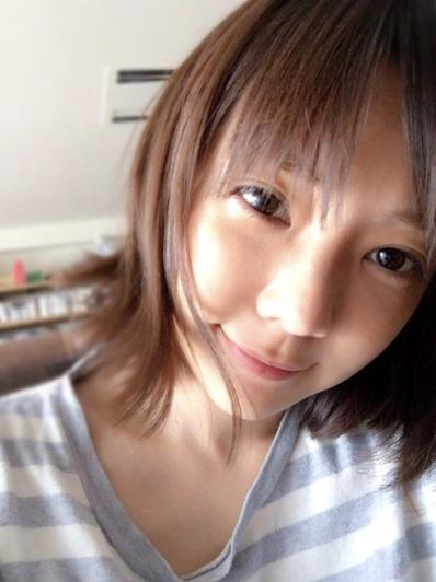 倉科カナ 髪の毛バッサリ、寝起きボサボサ頭にヨレT姿公開