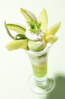 上品な甘み&香りの茨城県産メロンを堪能できる!コージーコーナーの限定スイーツ