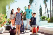 特別な思い出作りに! 夏休みの家族旅行~国内&海外のおすすめは?