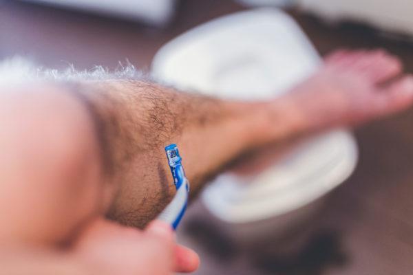 中性的男子の人気が原因? 男性のムダ毛処理若い年代で増加中