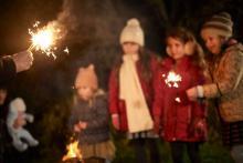 子どもも興奮! 手持ち花火の楽しみ方&注意点