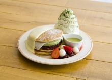京都四条店限定!EGGS N THINGSから涼味広がる、宇治抹茶アイスパンケーキ登場
