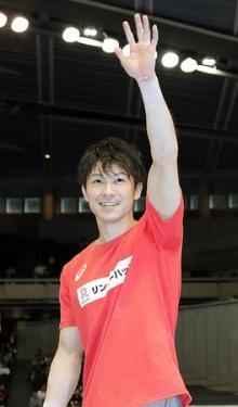 内村9連覇、個人総合で40連勝=鉄棒で白井を逆転-体操NHK杯