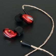 バランスドアーマチュア6基搭載の超高音質イヤホン