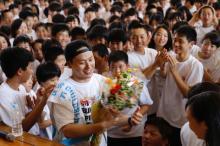 三代目JSB山下健二郎、母校でサプライズバースデー「最高の思い出になった」